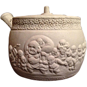 Japanese Antique Banko Ware 萬古 Pottery Small Sencha Teapot of Hotei and Running Karako