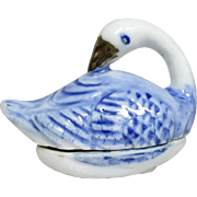 Japanese Antique Hirado 平戸 Porcelain Kogo or box of a Swan
