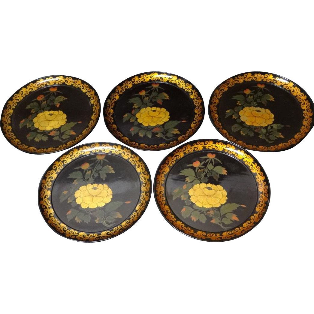 Japanese Vintage Set of Five Urushi Lacquered Wood Trays with Gold Maki-e 蒔絵