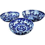 Japanese Antique Imari Sansai Decorated Set of Three Ume Porcelain Bowls by the Famous Aoki Family Kiln