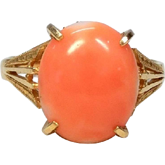 Vintage Japanese Natural 'Boke' Pink Salmon Coral Cabochon Ring in 18k Yellow Gold