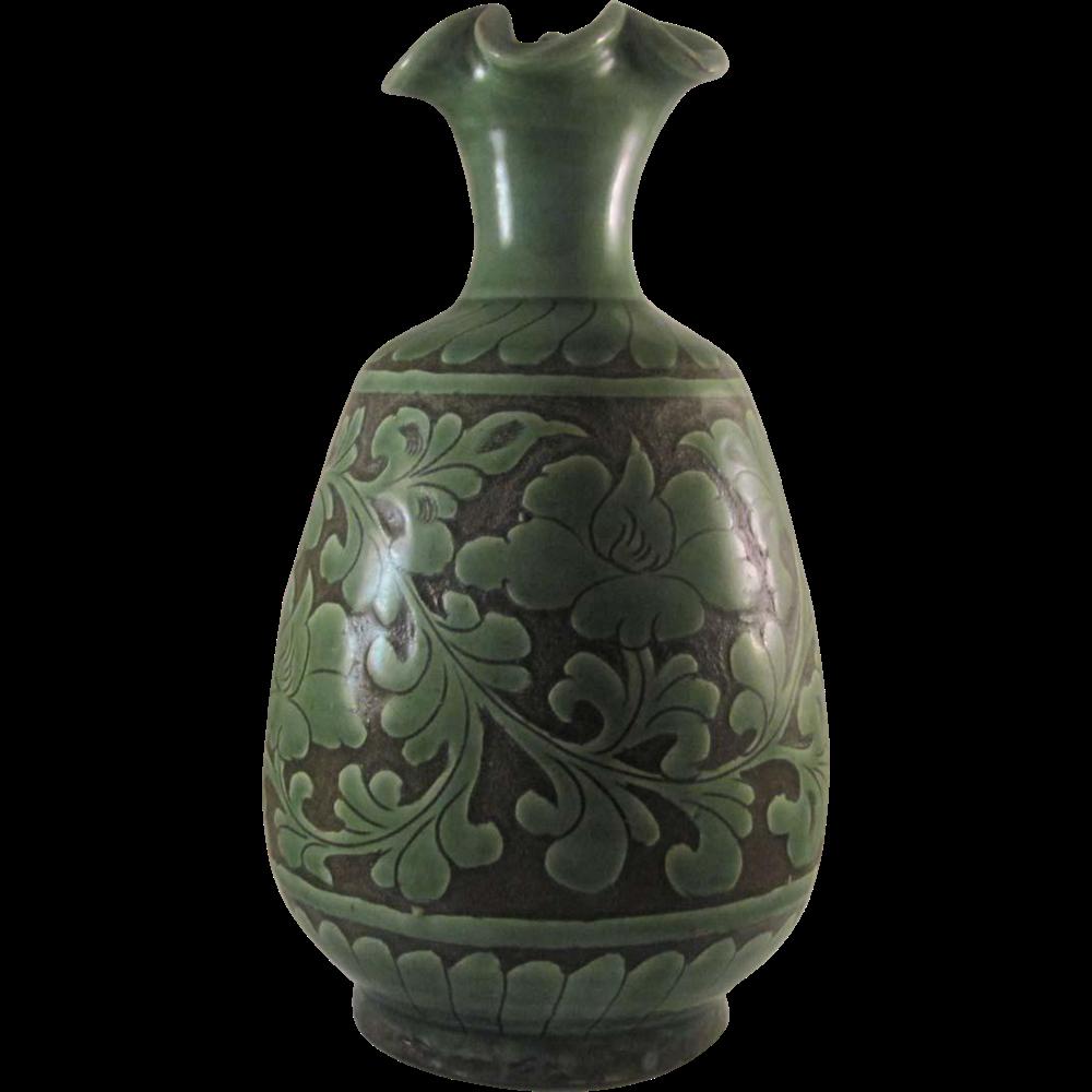 Chinese Vintage Yuezhou Porcelain Celadon Glazed Vase
