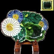 Signed Japanese Antique Meiji Kutani-yaki 九谷焼 Porcelain Dish of Colorful Chrysanthemum