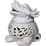 Japanese Vintage Arita Nabeshima 鍋島 Porcelain Koro or Incense Burner of Ryu- a Dragon