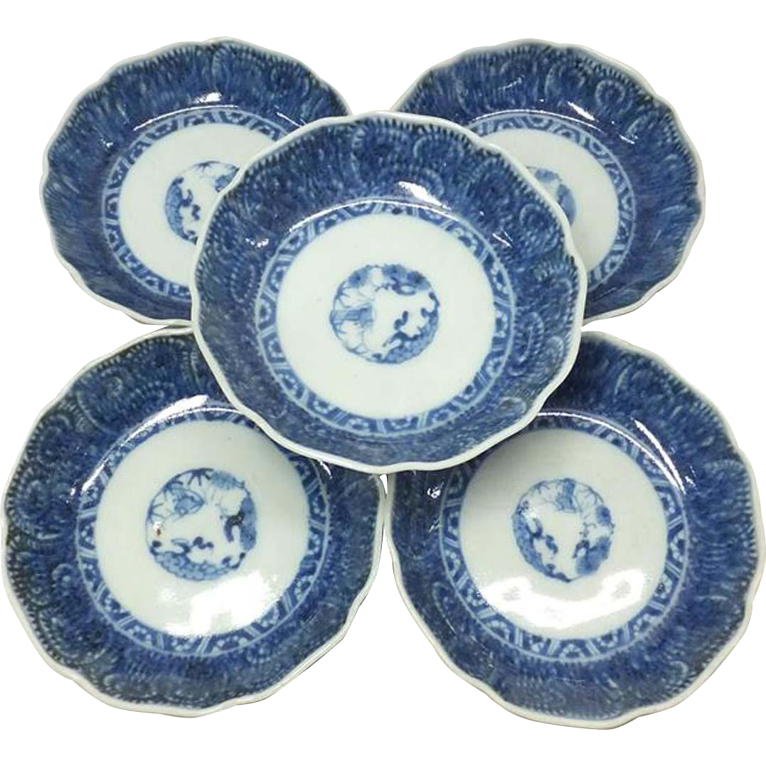 Japanese Antique Set of Blue and White Imari Plates Tako-karakusa