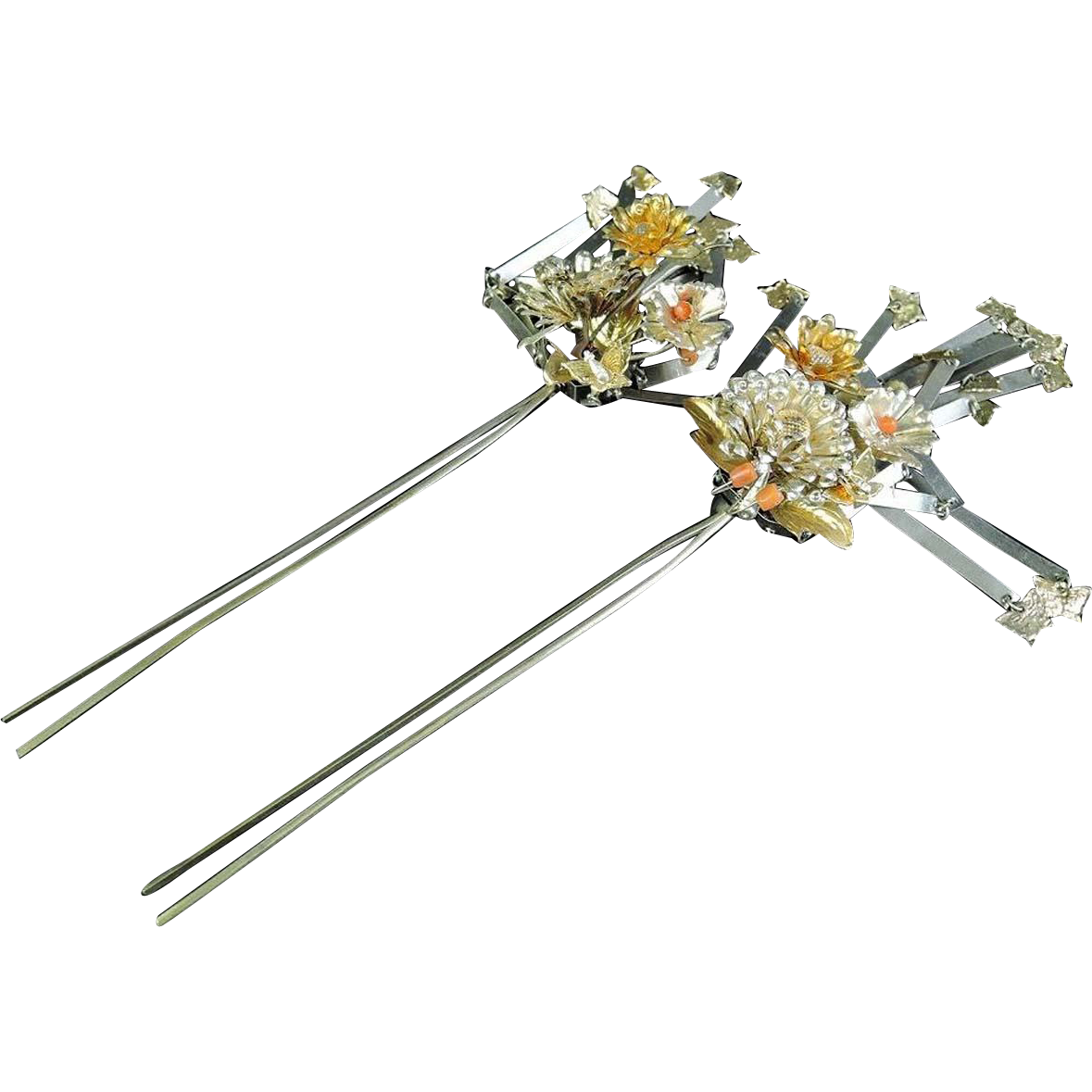 Japanese Antique Tachibana Pair of Kanzashi 簪 or Hairpin Flower Relief Coral