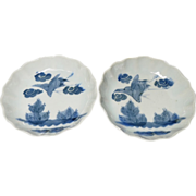 Japanese Antique ko-Imari or Edo Period Blue and White Porcelain Plates with Tsubame Decoration