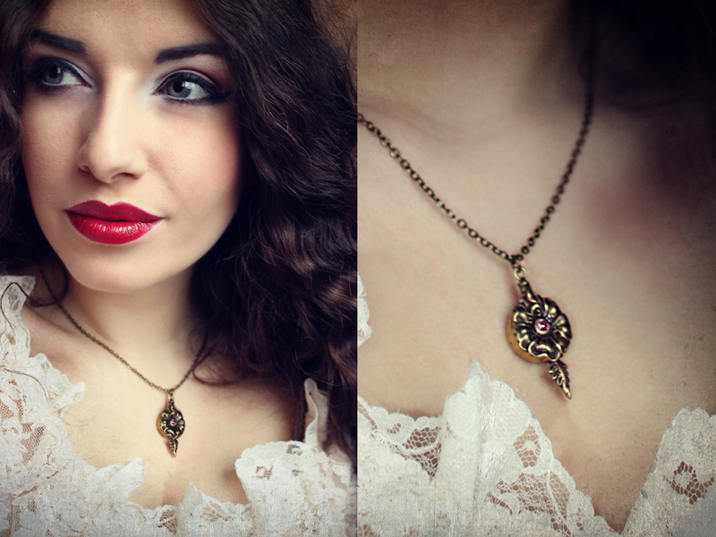 Secret Compartment Jewelry Poison Flower Necklace