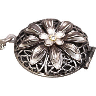 Locket Necklace Flower Locket Compass Locket