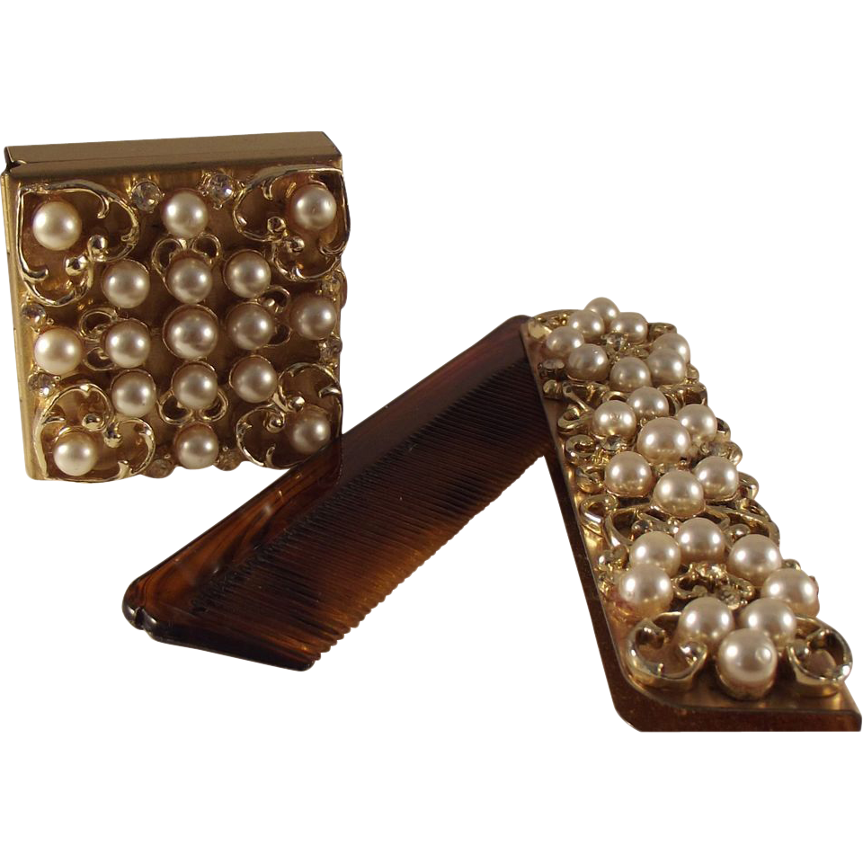 55% OFF Vintage Imitation Pearl/Rhinestone Pill box and Comb set