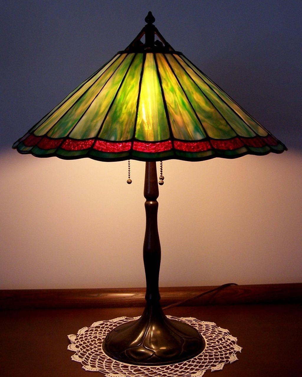 antique handel leaded glass table lamp sold on ruby lane. Black Bedroom Furniture Sets. Home Design Ideas