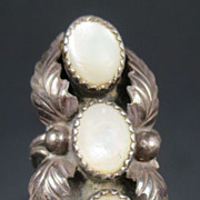 Vintage Navajo Indian Silver & Mother-of-Pearl Ring Size 4.5