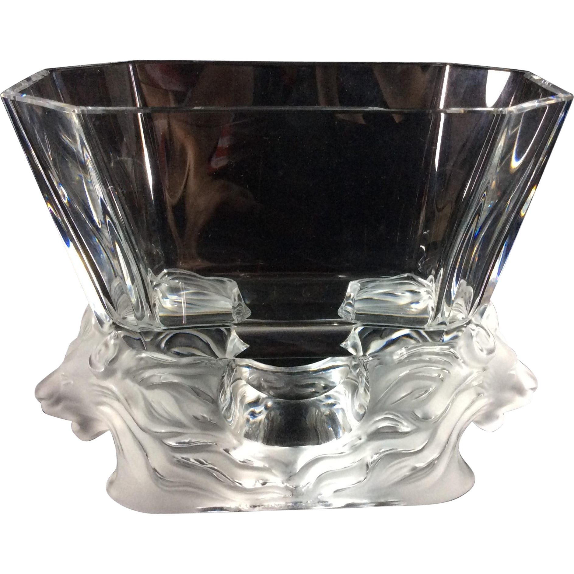 Lalique 39 venise 39 frosted crystal double lions head vase for Lalique vase