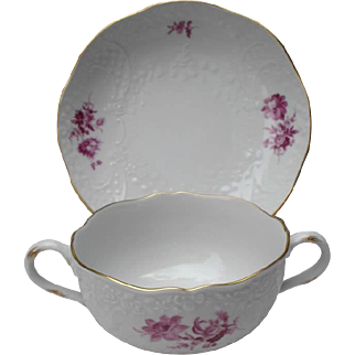 "Meissen ""Neumarseilles"" Twin Handle Soup Set with Beautiful Purple Flowers and Gold Gilt"