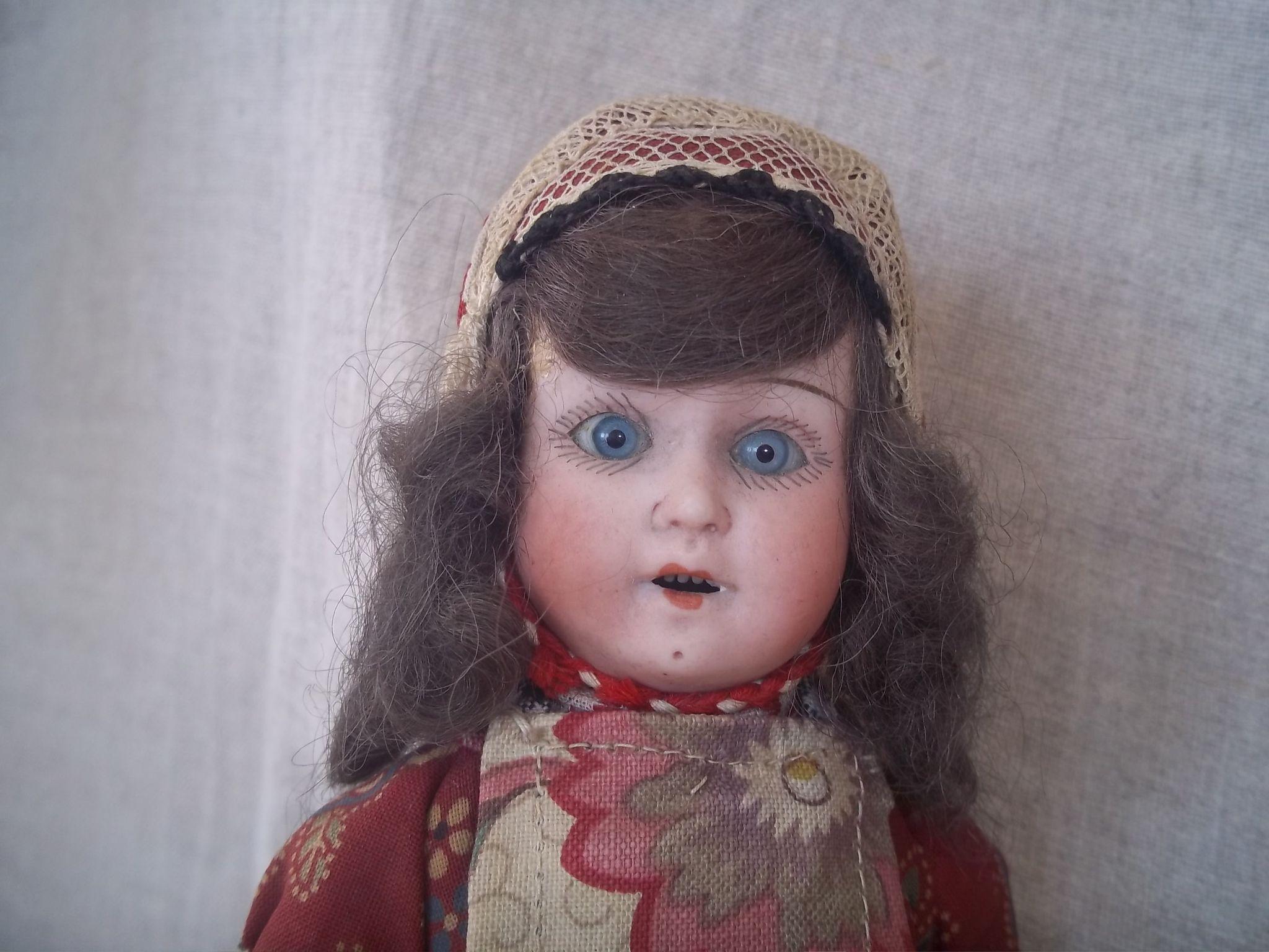 "Early 20c. 9""  Factory Original Regional German Doll"