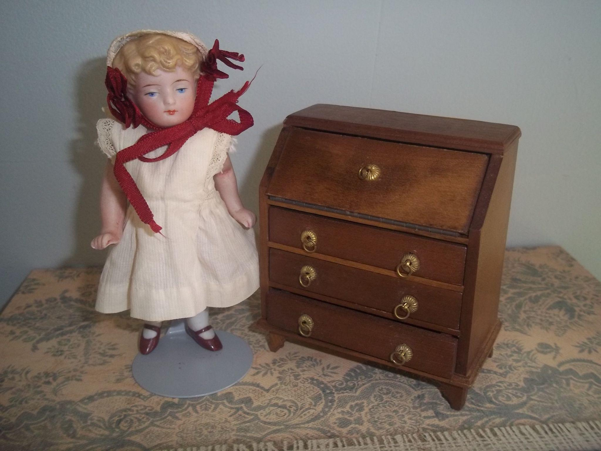 Vintage All Wood Doll House Governor Winthrop Style Desk
