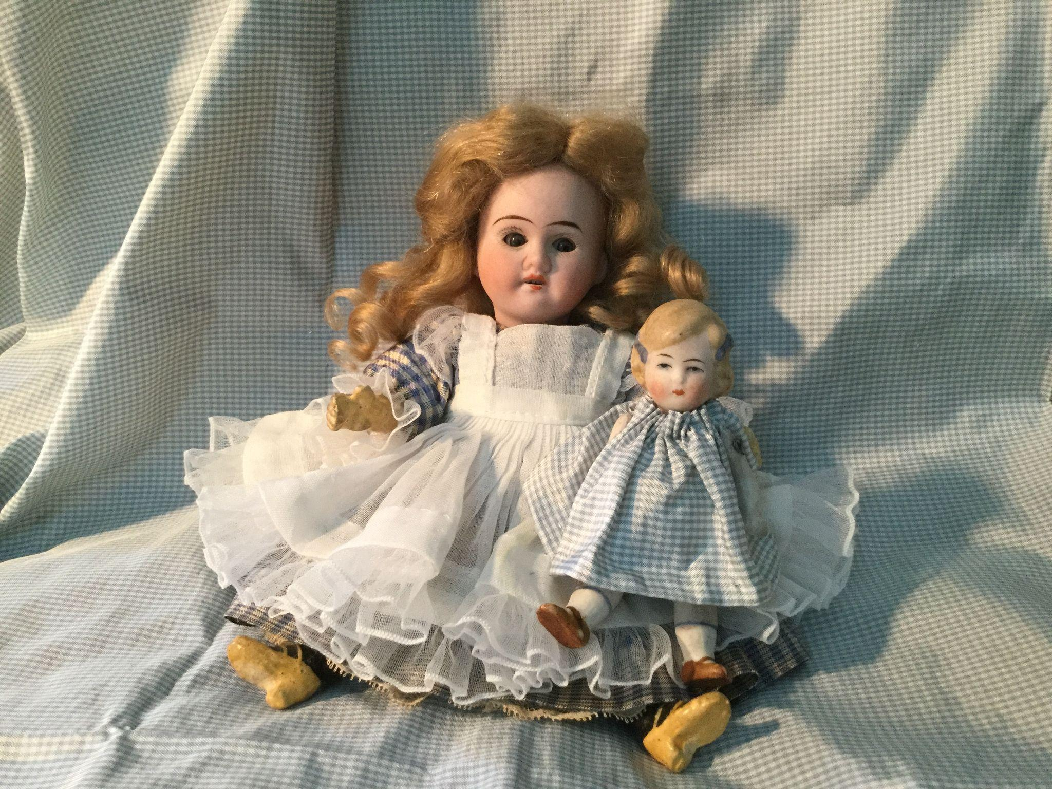"Dear 7"" German Mignonette and Her Doll"