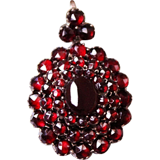 Fabulous Antique Victorian 9 ct Gold Beautiful Three tiered Rose Cut Bohemian & Carbuncle Red Garnet cluster Sentimental locket pendant