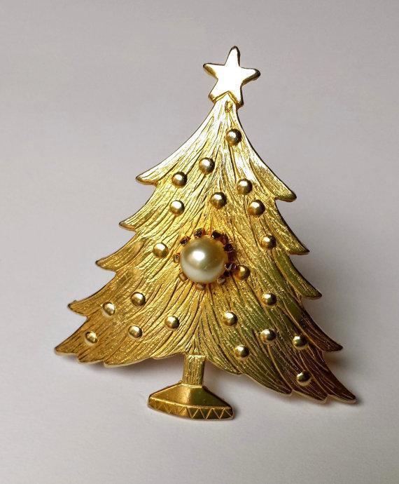 Vintage Gold Faux Pearl ChristmasTree Brooch Embossed ~ Simply Elegant