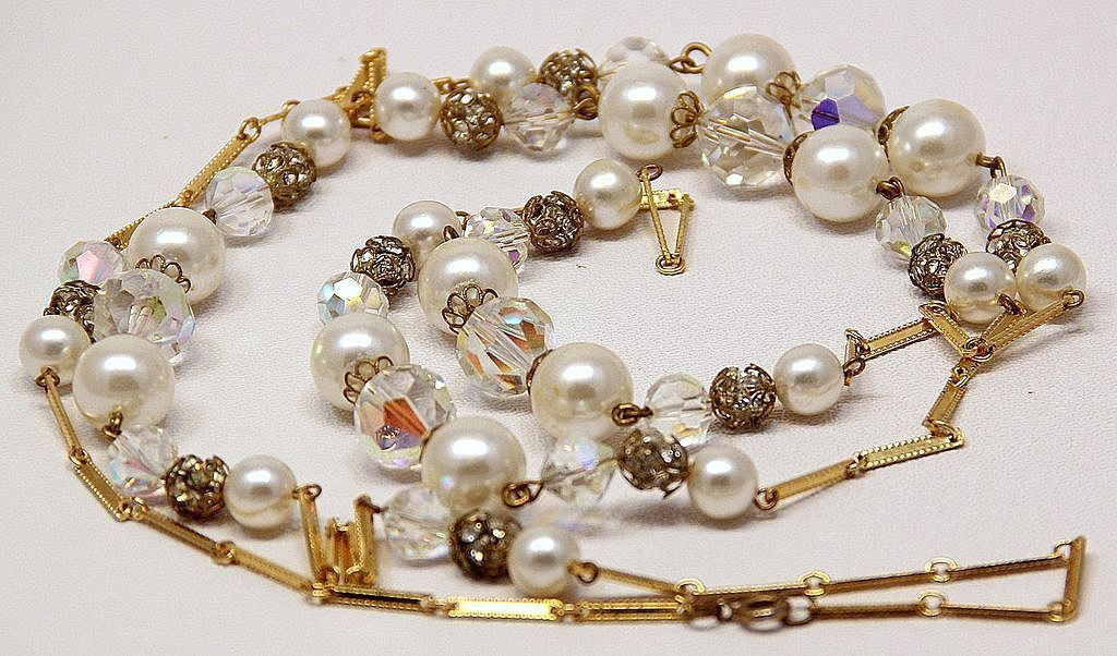 Vintage Filigree Endless  49in Chain AB Crystal Faux Pearl Necklace