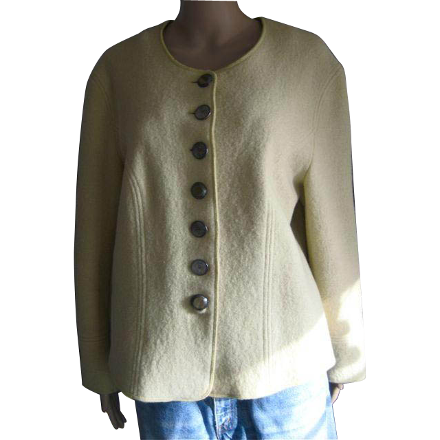 Beautiful Vintage Basset boiled wool, embroidered, jacket. EU 42.