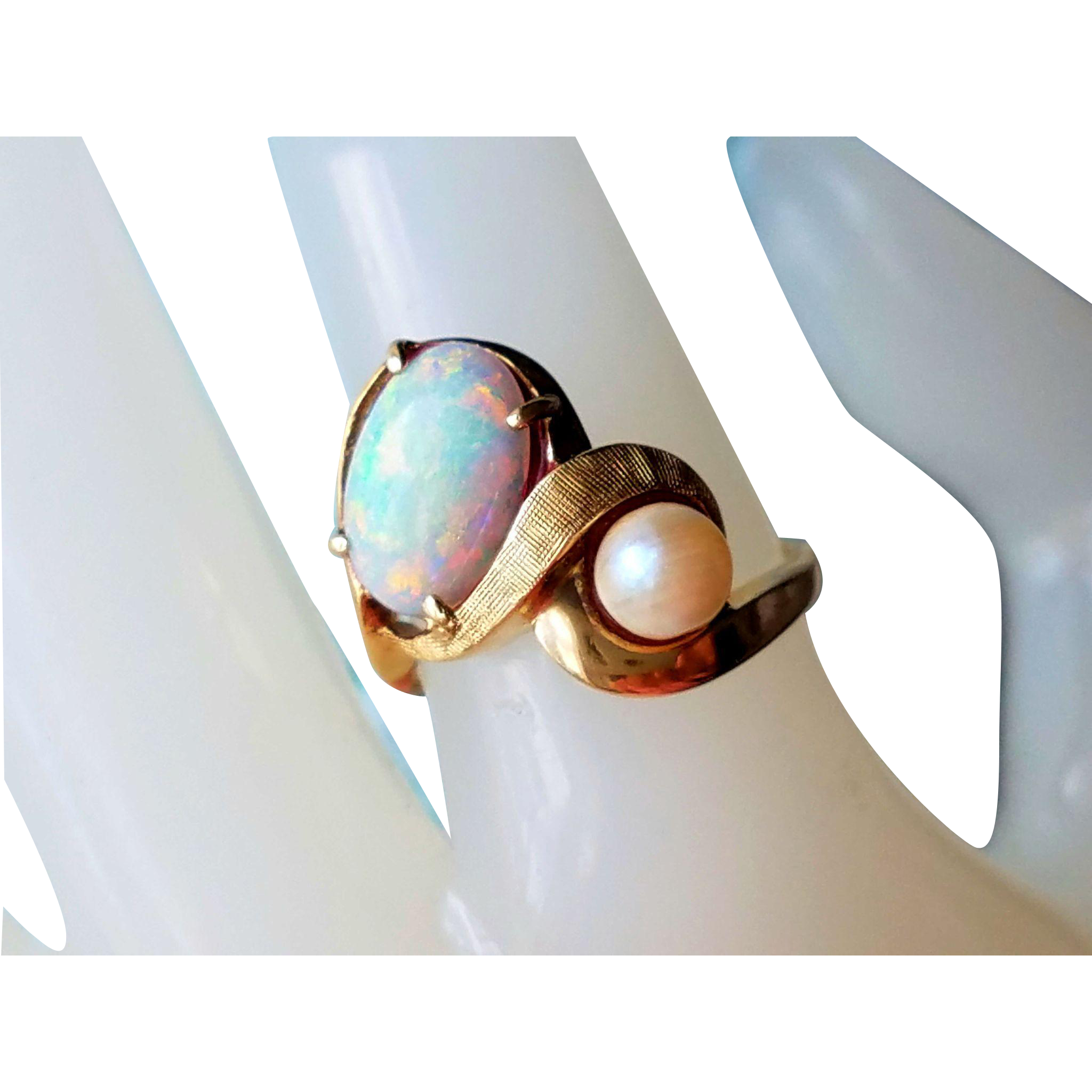 Vintage 14K Opal Doublet and Cultured Pearl 50's Ring 6.5