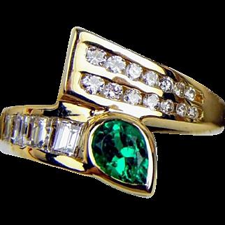 14K Pear-Shaped Genuine Emerald & Diamond Ring 4