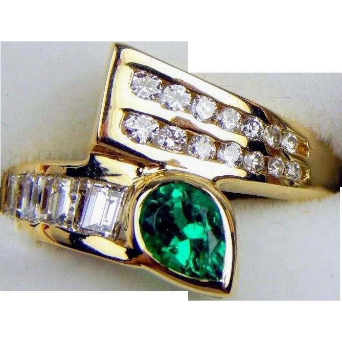 14K Pear-Shaped Natural Emerald & Diamond Ring 4
