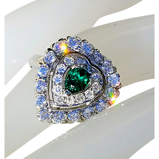 Art Deco 14K Heart Shaped Emerald VS Diamond Anniversary Engagement Ring 7
