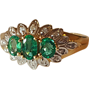 Vintage 14K Natural Bright Green Emerald & Diamond Ring 7.25