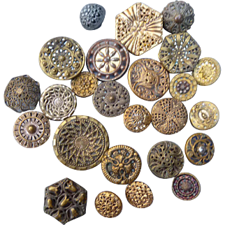 A Victorian Poke of 25 assorted Buttons