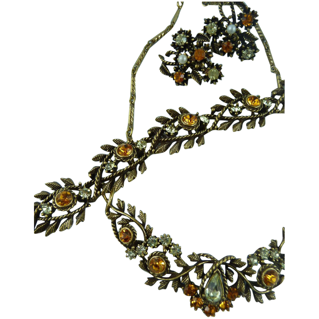 Lovely Vintage Signed Coro Necklace Bracelet and Earrings