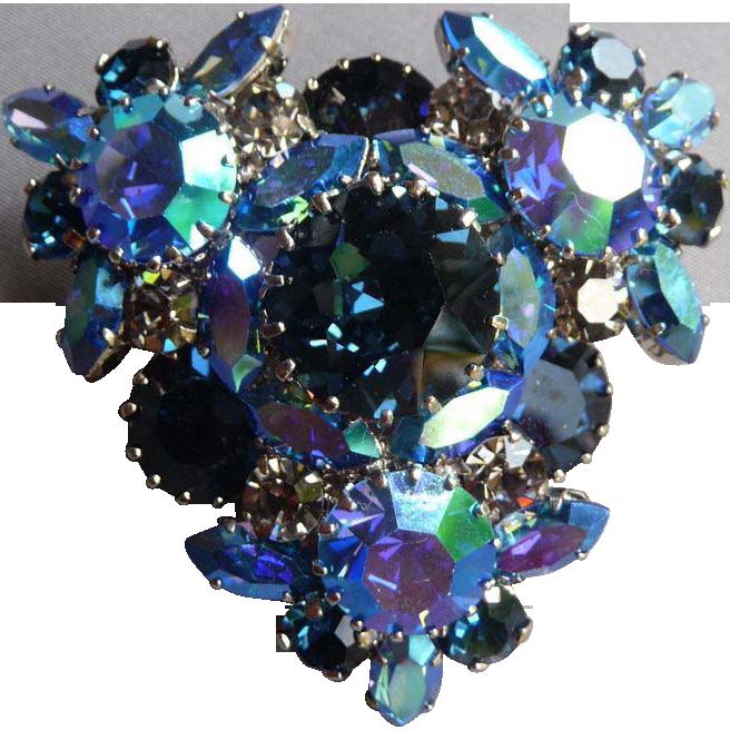 Gorgeous Blue Vintage Triad Pin