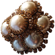 Lovely Vintage Faux Pearl Pin