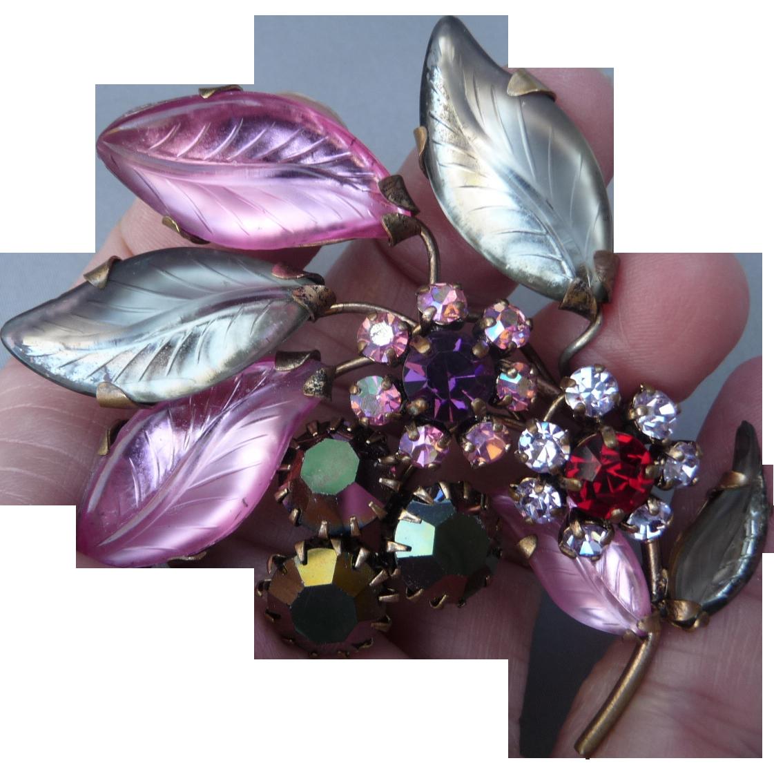 Beautiful Vintage Flower Pin