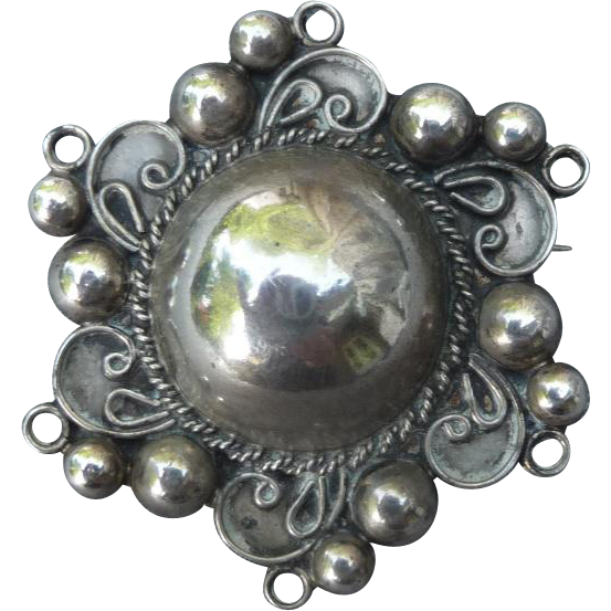 Lovely Mexican Vintage Silver Pin