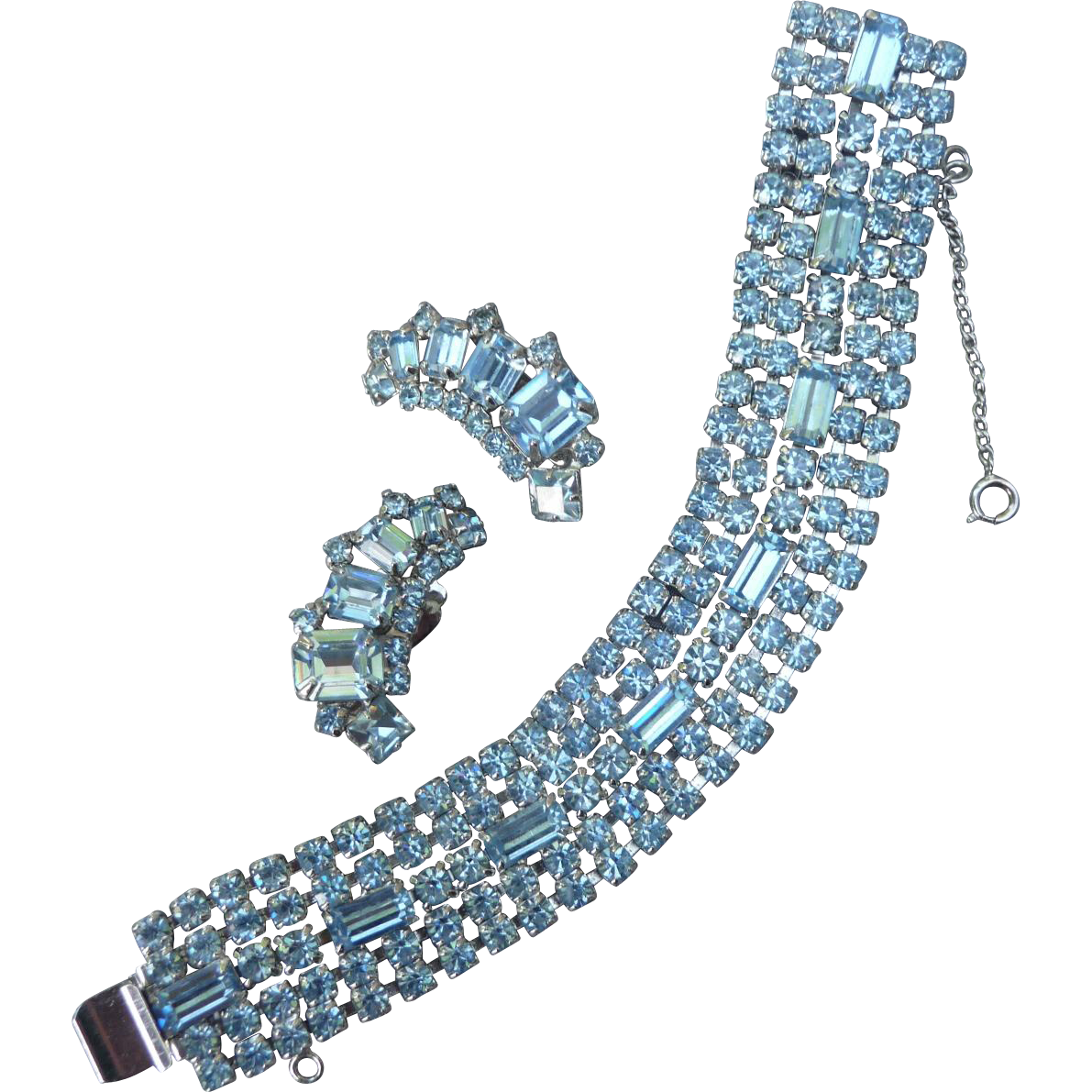 exquisite vintage weiss bracelet and earrings hiptobeold. Black Bedroom Furniture Sets. Home Design Ideas