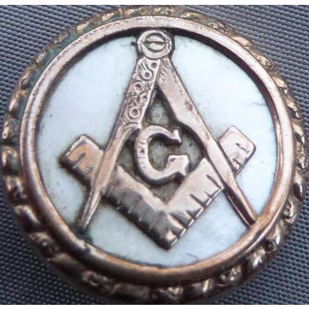 Rare Mason Masonic Pearl and Gold toned Button