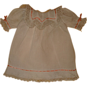 Marvelous  French factory bébé chemise 1900