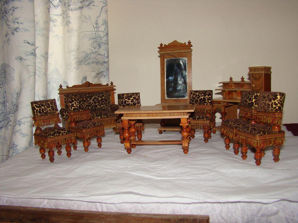 10 Pieces Antique German Doll House Furnitures From