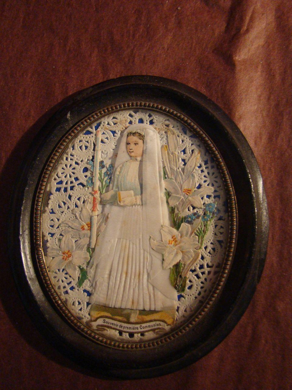 Napoleon III  frame with girl's lace holy card of 1st communion