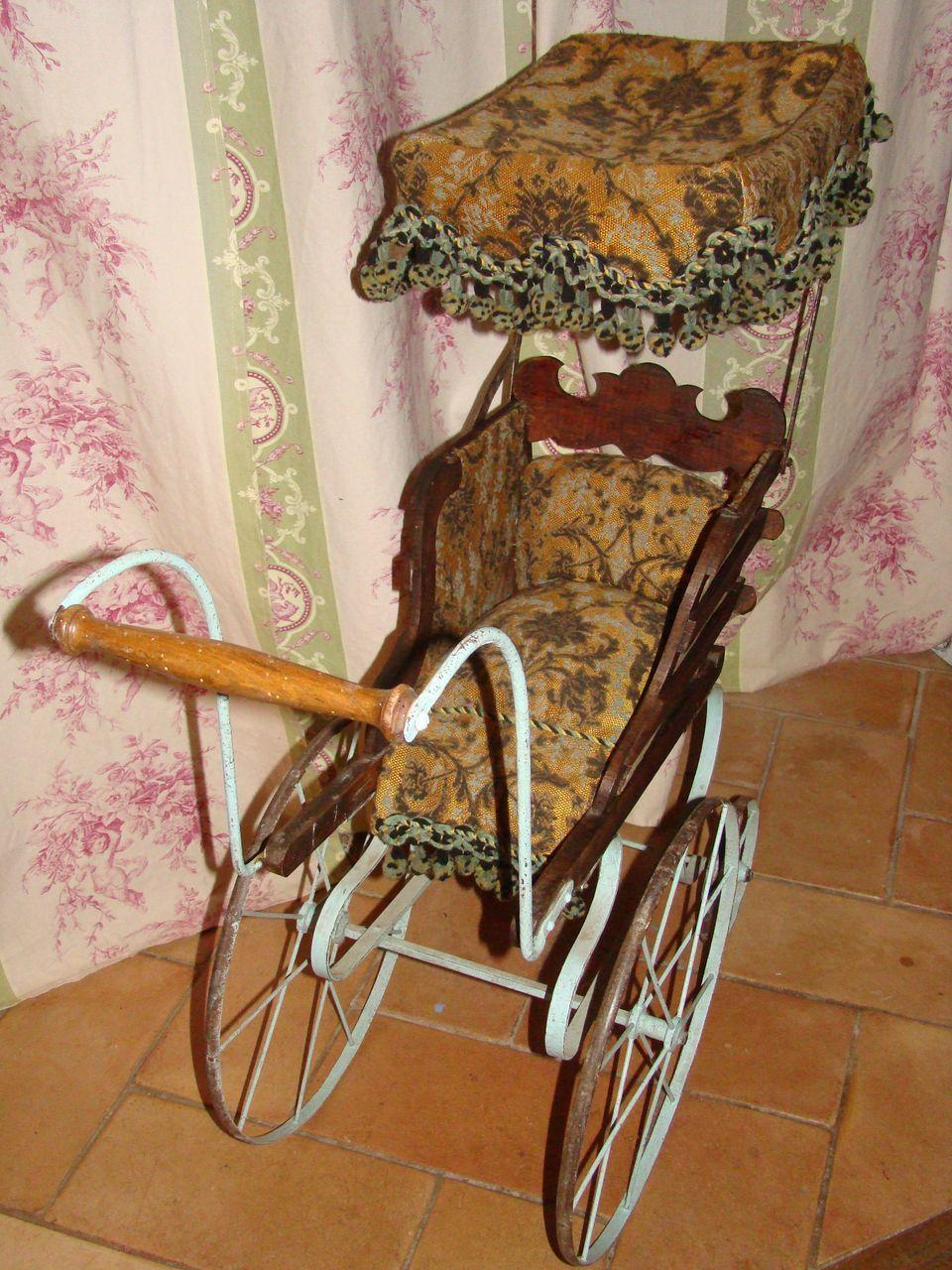 French antique elaborate carriage for doll 1875/1880