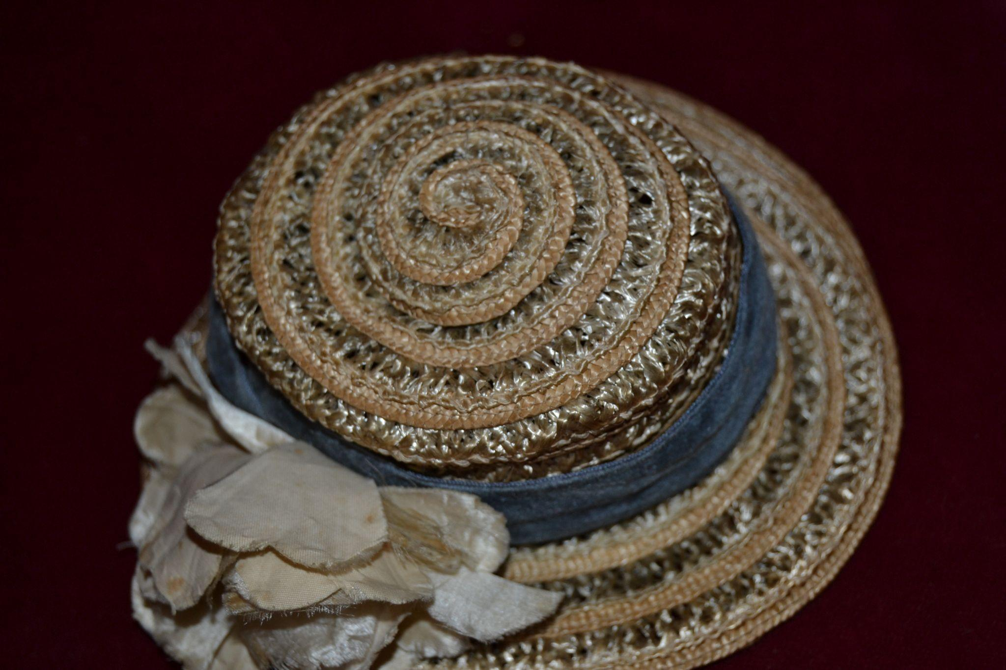 Charming 1910 straw hat for your doll
