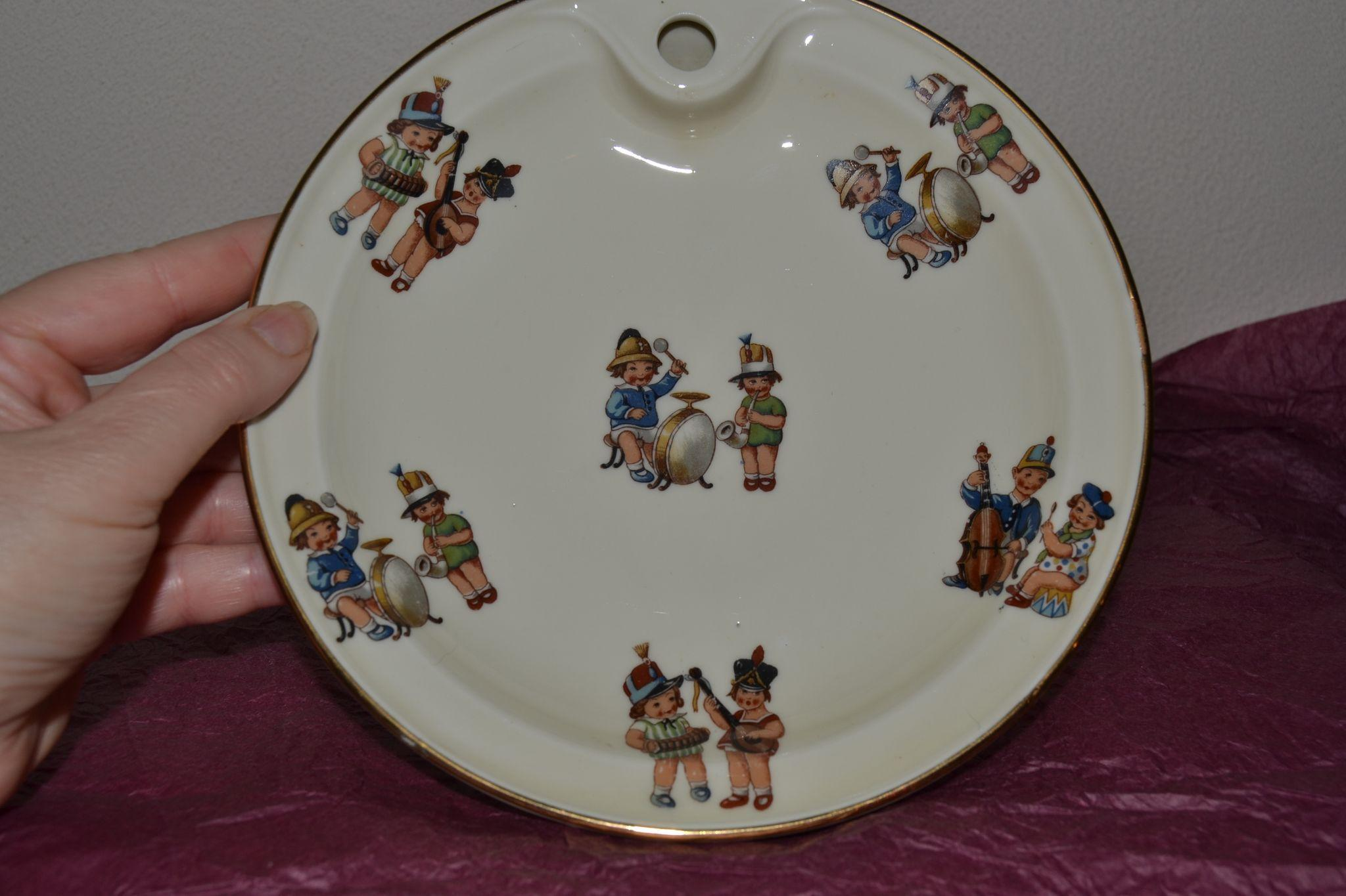 very attractive child dish in Limoges from france 1925