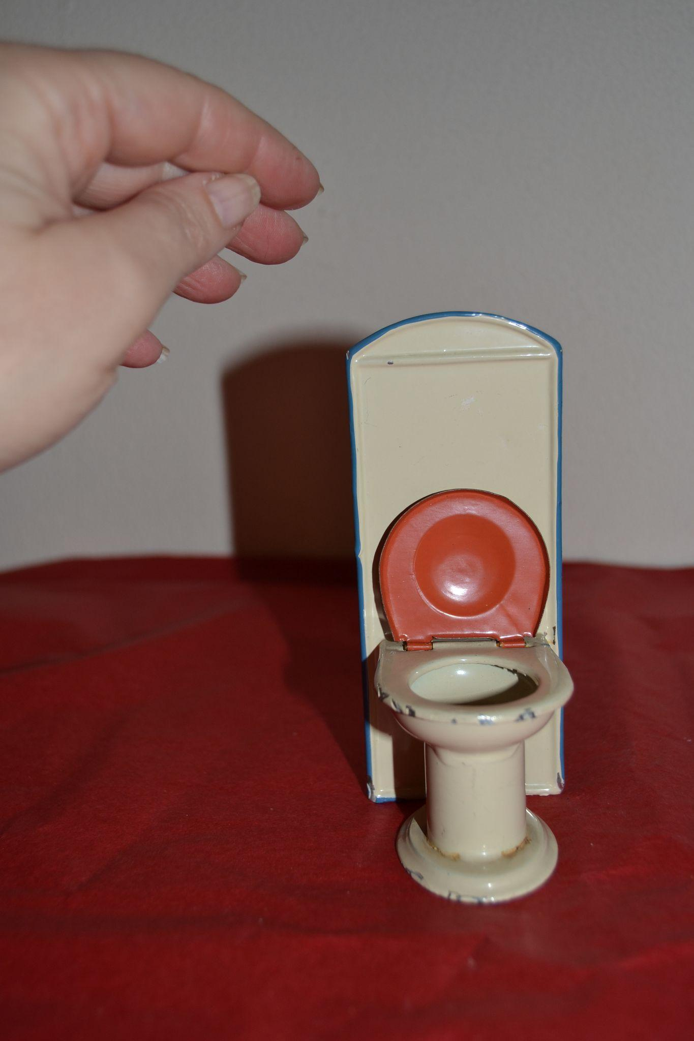 Vintage Toy Potty : Vintage old toilet for doll s house from lafarandolls on