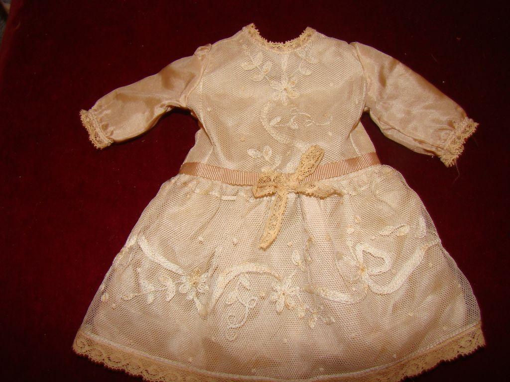 Lovely silk dress for french bébé