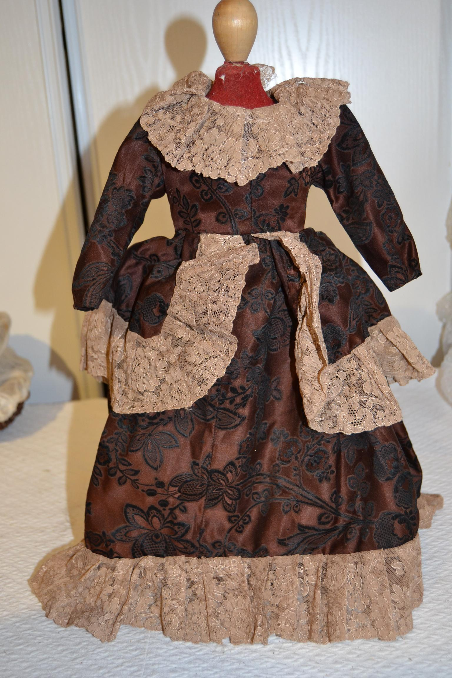 Lovely vintage dress for your doll