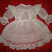 Wonderful fine cotton 1880 dress for french bébé