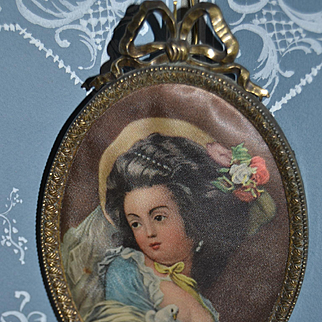 1950 Charming Lithograhy on silk, 18 century style with nice bronze frame