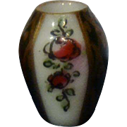 Tiny French 1890/1900 porcelaine vase